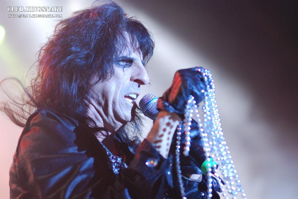 Click Here for More Alice Cooper Pictures!