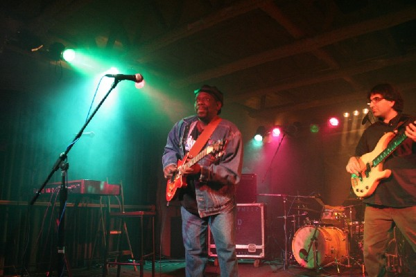 Lucky Peterson live at the Junction, Peterborough, Ontario.    September 22