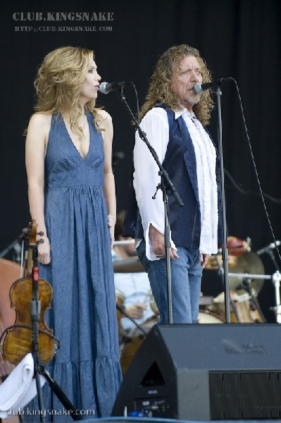 Robert Plant and Allison Krauss at Bonnaroo 2008