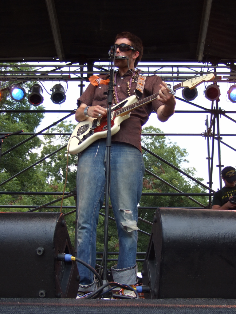 Elvis Perkins performing at ACL Fest 2006