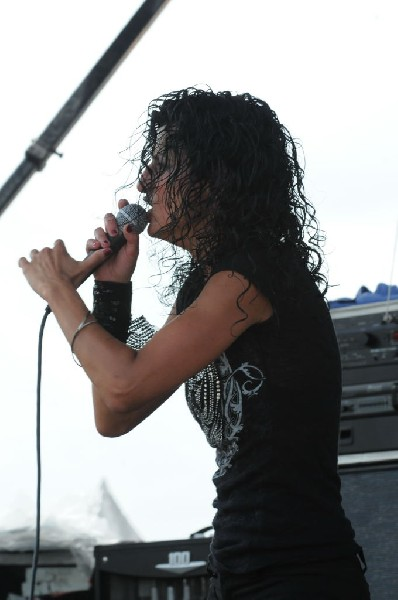 Gina Cutillo on the Kevin Says Stage, Warped Tour, Verizon Wireless Amphith