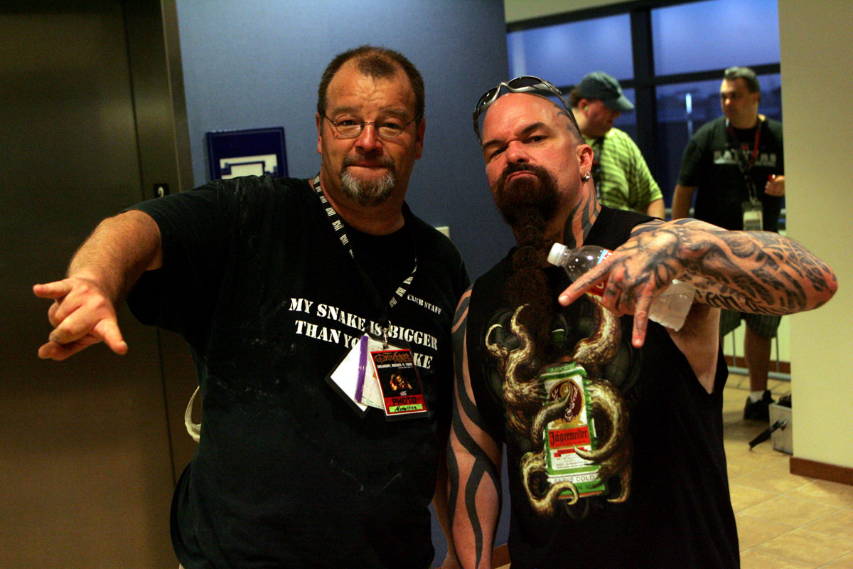 club kingsnake editor Jeff Barringer with Kerry King at Ozzfest