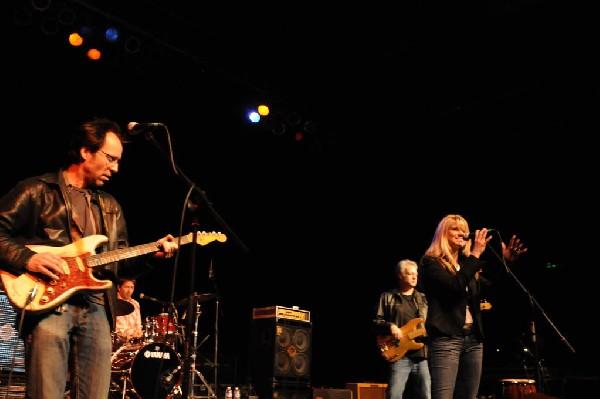 Paula Nelson at the Help Austin Help Haiti Benefit, Austin Music Hall