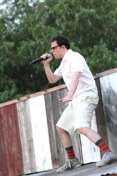 Weezer at Stubb's BarBQ, Austin, Texas 06/07/11 - photo by Jeff Barringer