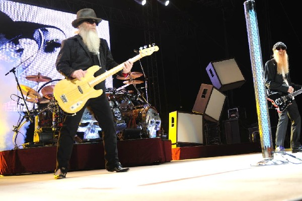 ZZ Top at The Backyard, Austin Texas (Bee Caves) 04/25/10