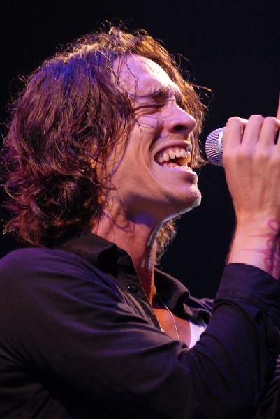 Brandon Boyd of Incubus at The Backyard